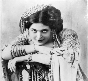Gea della Garisenda: una donna, una guerra, una canzone
