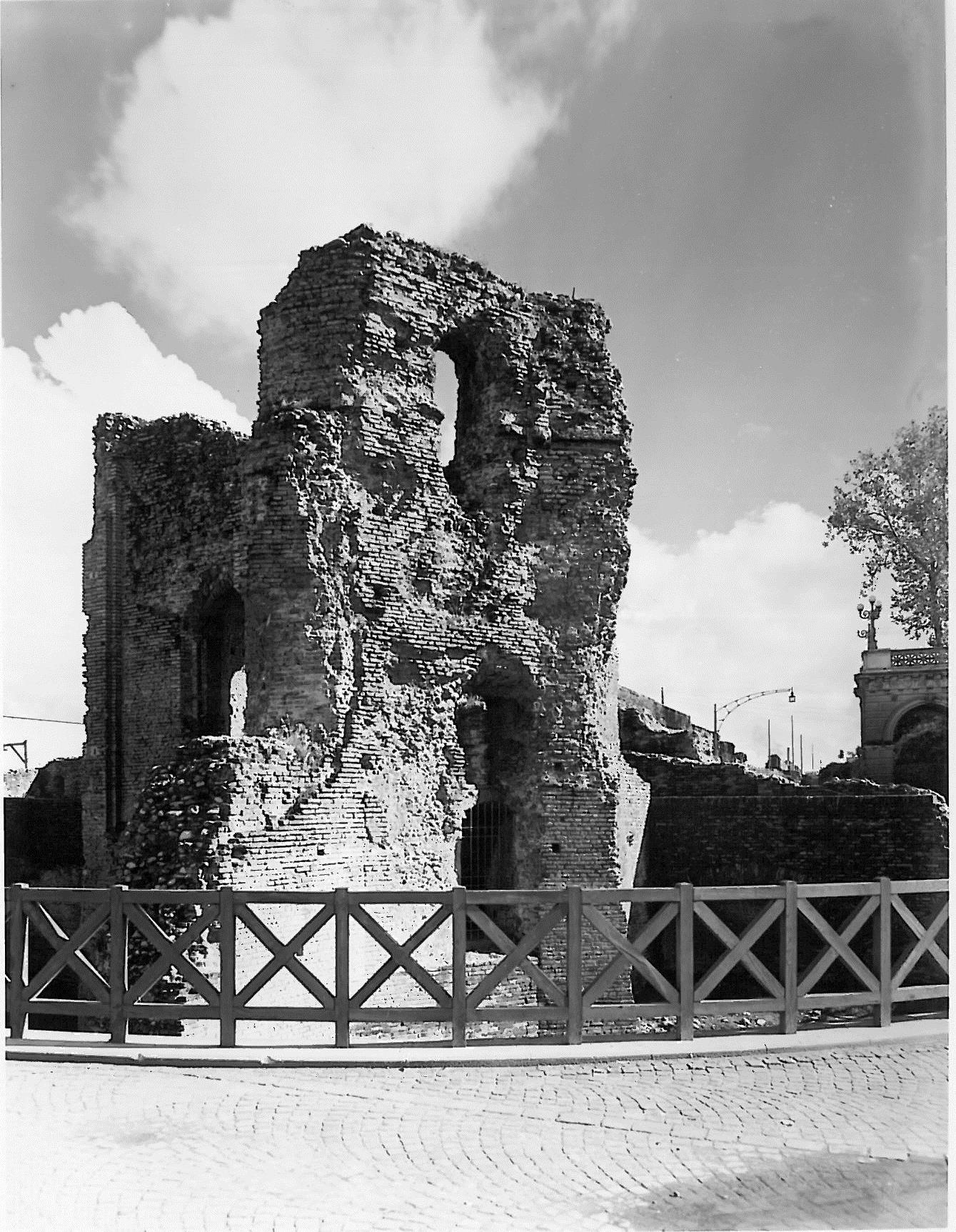 Ruderi Castello Porta Galliera